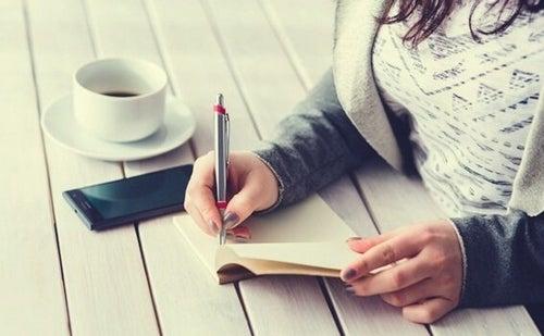 Pięciominutowy dziennik – sposób na dobre samopoczucie