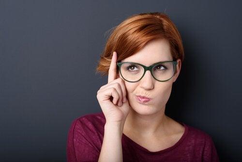 Usta w obserwacji mimiki - o jakich emocjach świadczą?