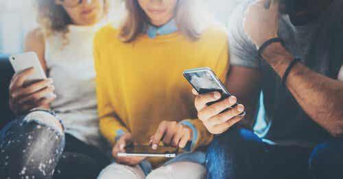 Smartfony - czy naprawdę nas ogłupiają?