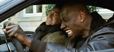 Mężczyźni z filmu Nietykalni w samochodzie