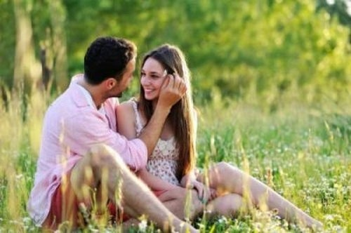 Miłość – w jaki sposób lubimy o niej rozmawiać?