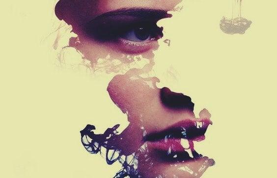 Kobieca twarz w częściach