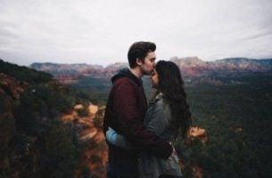 Wzorzec przywiązania - zakochana para