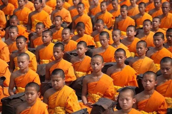 Mnisi buddyjscy.