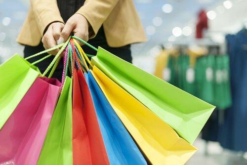 Czarny piątek - kolorowe torby na zakupy