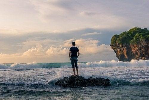Człowiek nad morzem