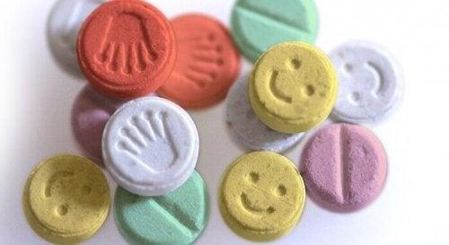 Ecstasy, narkotyk miłości - co musisz o nim wiedzieć?