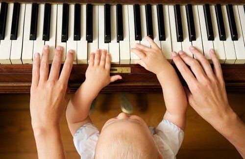Granie na pianinie