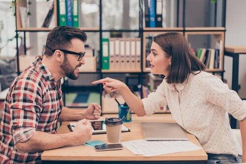 Kłótnia w pracy - toksyczni współpracownicy