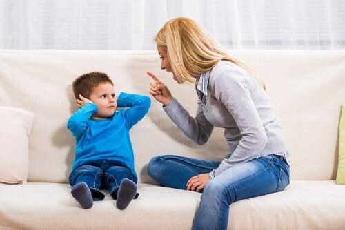 Konsekwencje krzyczenia na swoje dzieci