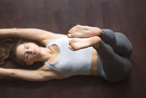 Joga – cztery asany ułatwiające zasypianie