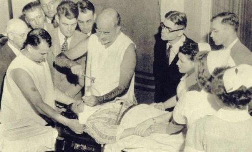 Lekarze uczą się przeprowadzać lobotomię