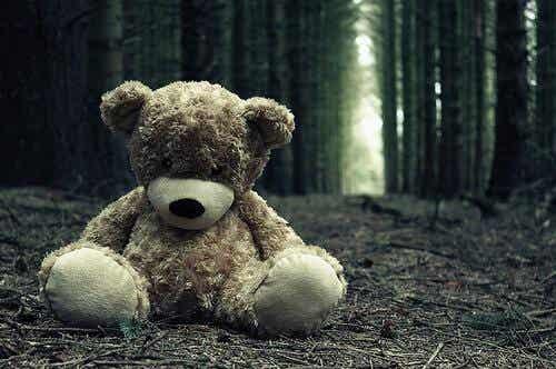 Samobójstwa nieletnich: przypadek Samanthy Kubersky
