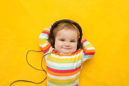 Muzyka i jej wpływ na dzieci: czy podnosi ich inteligencję?
