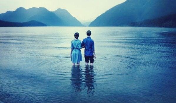 para w jeziorze