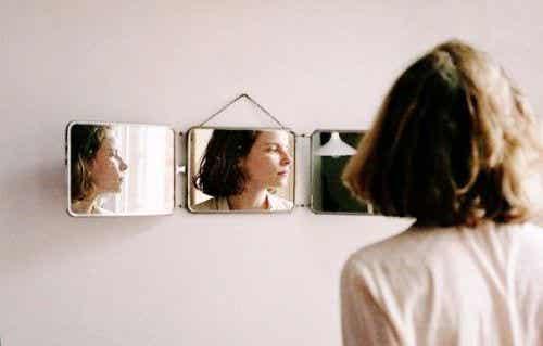Poświęcasz siebie dla opinii innych? Niszczysz siebie