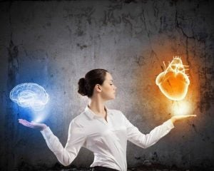 Kobieta wybiera między rozumem a sercem