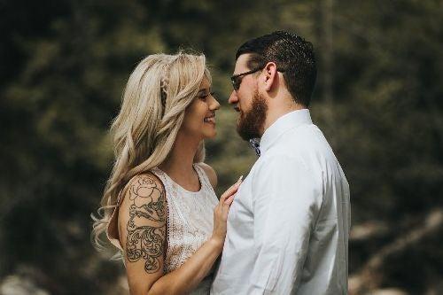 Stygmatofilia: pociąg seksualny do osób z tatuażem i piercingiem