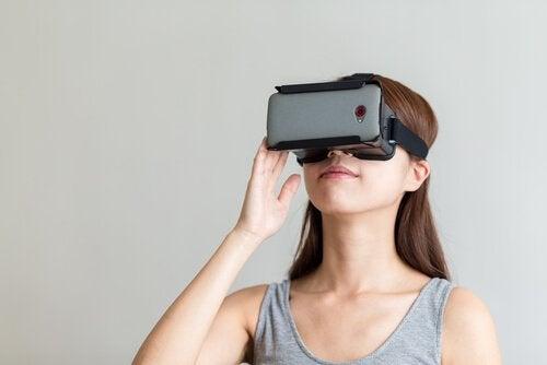 Kobieta i wirtualna rzeczywistość