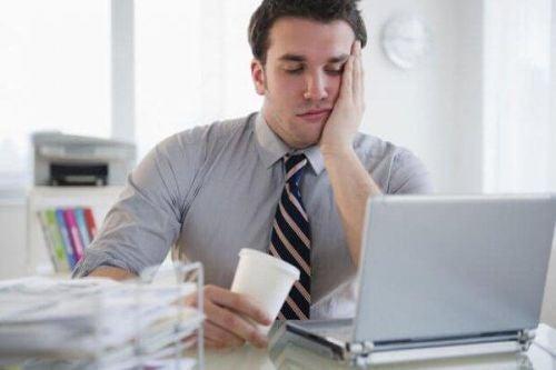 Znudzony pracownik - wynudzenie zawodowe