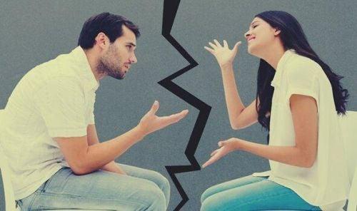 Błędy w komunikacji między partnerami - kłotnia