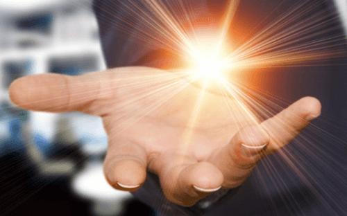 Trzy stopnie wpływu – poznaj zasadę oddziaływania społecznego