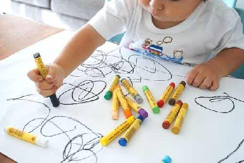 Dziecięce rysunki: poszczególne etapy i rozwój