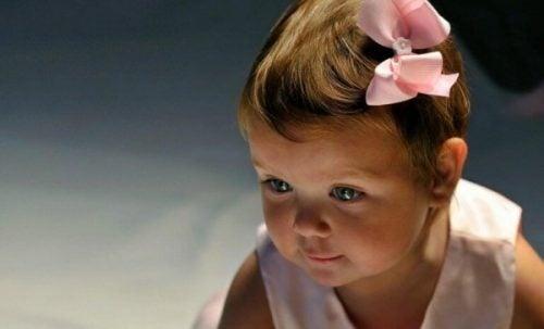 dziewczynka 9 miesięcy