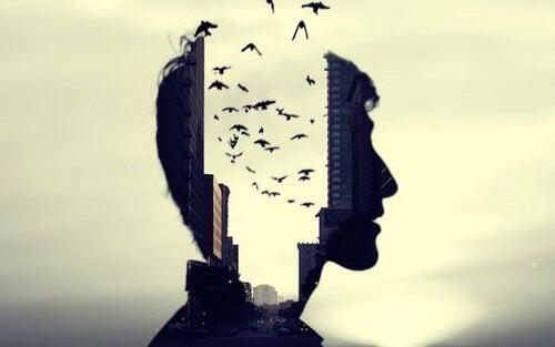 Głowa człowieka i ptaki symbolizujące myśli