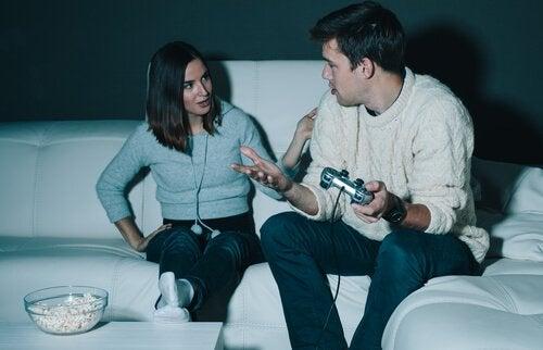 Uzależnienie od gier wideo: objawy i leczenie