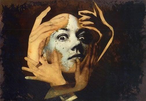 Kobieta z maską.