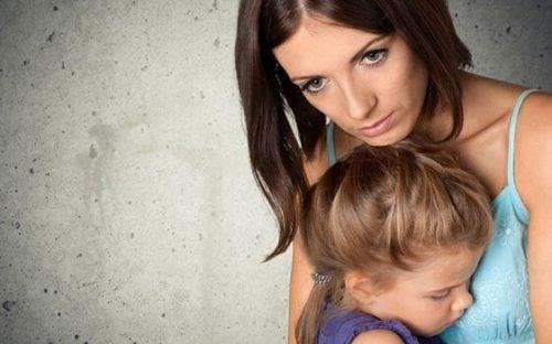 Rodzice i ich obsesja na punkcie bezpieczeństwa dzieci