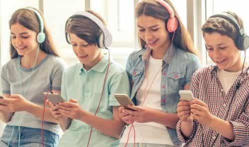 Pokolenie smartfonów - 5 przerażających rzeczy, które je łączy
