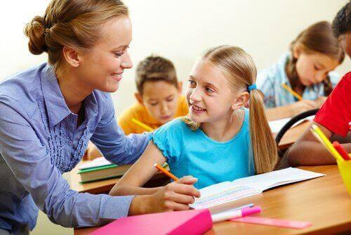 Uprzejma nauczycielka