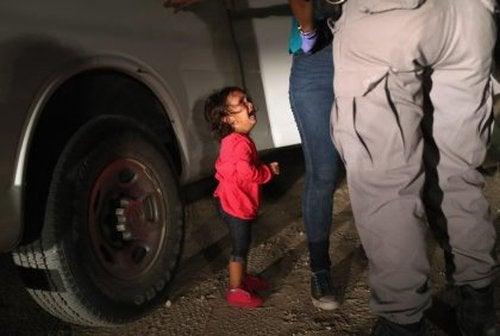 Separacja dziecka od rodziców - poważne rany emocjonalne