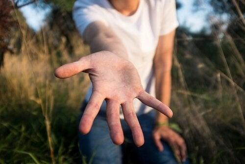 Wyciągnięta dłoń