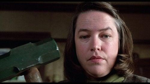 Annie Wilkes z filmu Misery - miłość połączona z obsesją