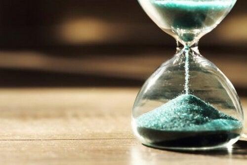 Psychologia czasu: dlaczego różnie odbieramy czas?