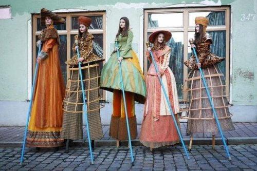 Kobiety w tradycyjnych strojach