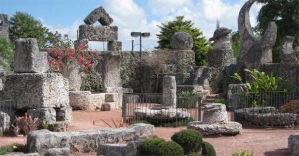 koralowy zamek pomniki inspirowane miłością