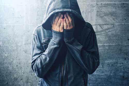 Narkotyki i choroba psychiczna: jaki mają związek?