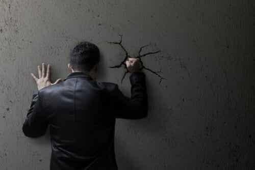 Moralność społeczna a tolerowanie przemocy
