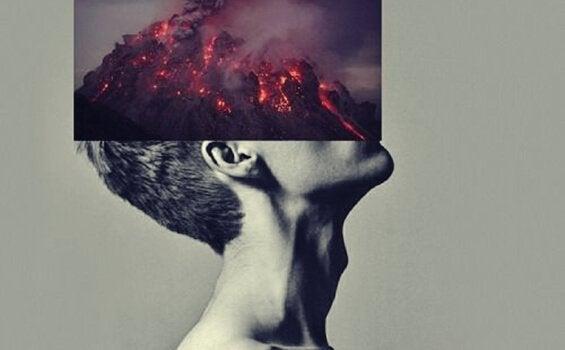 Mężczyzna z wulkanem na głowie