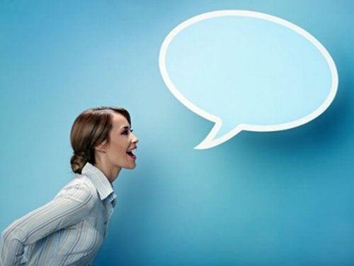 mówiąca kobieta
