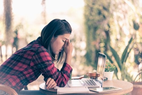 Pozytywne radzenie sobie z frustracją: 5 niezbędnych porad