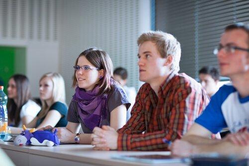 Studenci w klasie