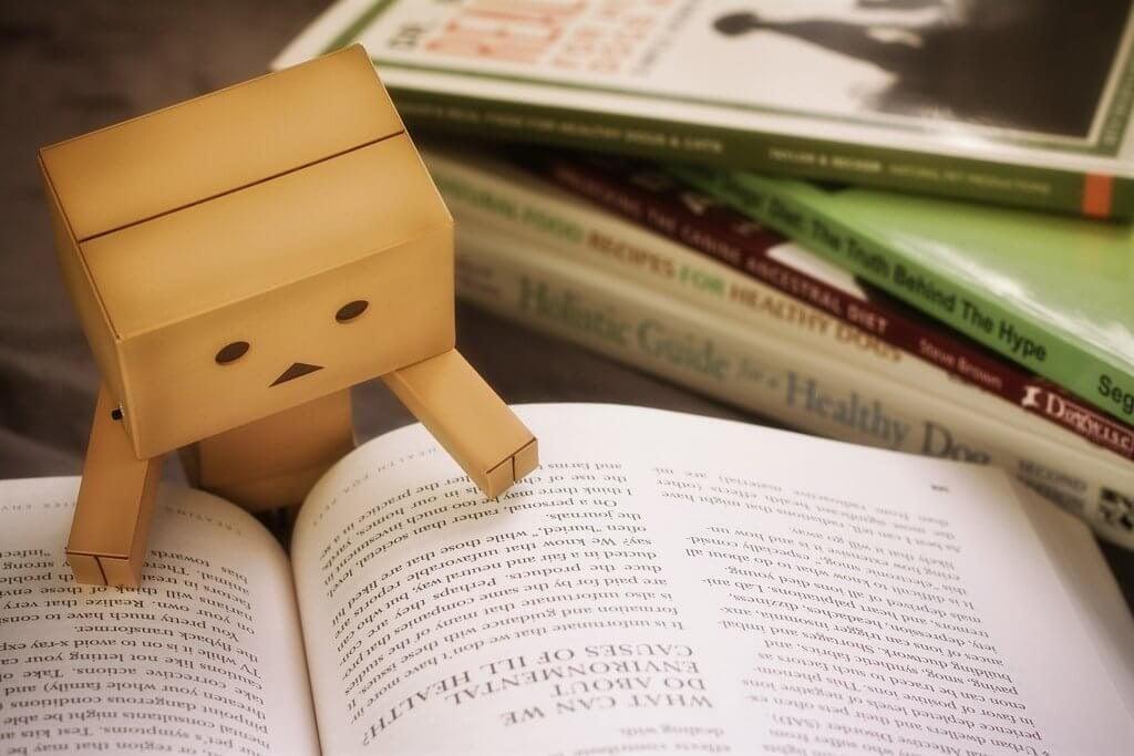 Czytanie na papierze.