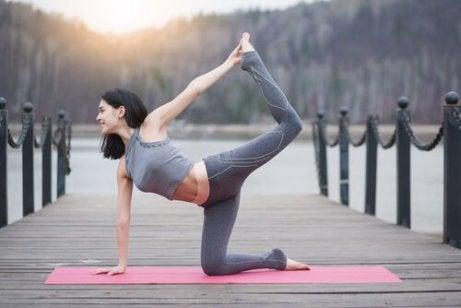 joga pozycja łuku