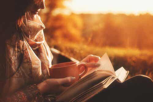Czytanie na papierze i jego niezaprzeczalne zalety