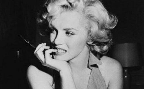Marilyn Monroe I Jej 12 Zasad Tworzenie Mitu Piękno Umysłu